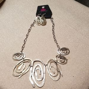 paparazzi Jewelry - Necklace and earring set